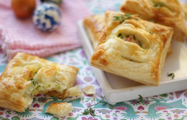 Fagottini di pasta sfoglia con zucchine e primosale