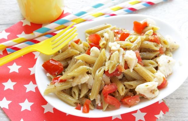 Mini Penne con zucchine e spinaci con merluzzo e pomodoro fresco