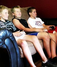 TV, video-giochi e computer: come influenzano le scelte a tavola