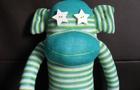 Calzini, bottiglie e fantasia: creiamo giocattoli con materiali di riciclo