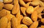 Le mandorle: dolci e ricche di polifenoli
